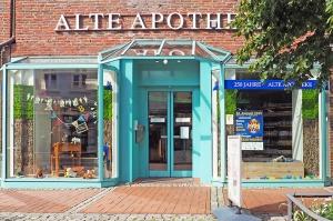 Alte Apotheke Bad Segeberg Außenansicht Geschäft